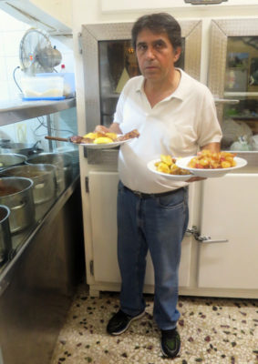 Taverna tou Oikonomou's Kostas Diamantis, photo by Johanna Dimopoulos