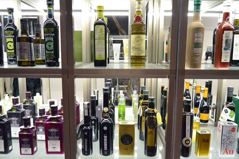 Spanish olive oils at Olisal, photo by Paula Mourenza