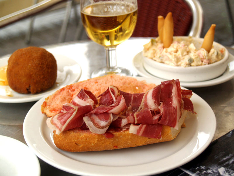 A Cozy Combination Deli and Tapas Bar in Barcelona