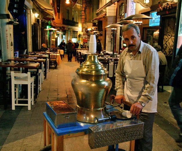 Sahlep vendor, photo by Yigal Schleifer