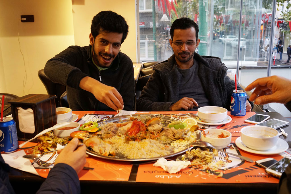 Authentic yemeni cooking in istanbul 39 s fatih district for Cuisine yemenite