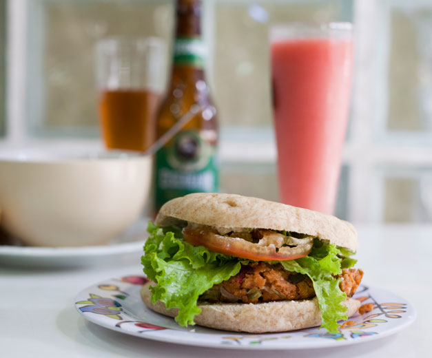 A vegan burger at Dona Vegana, photo by Lianne Milton