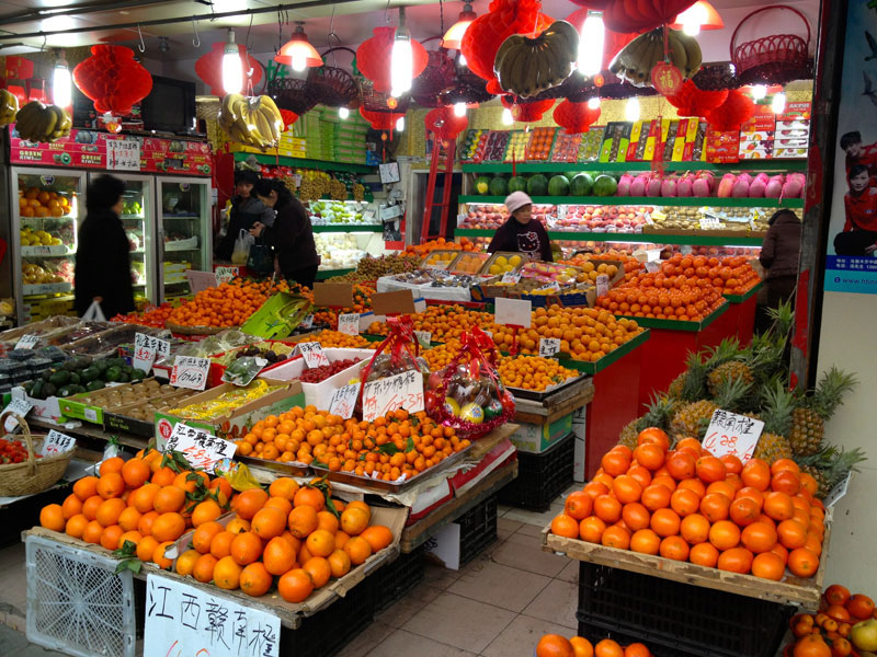 Tangerines bring good luck for Chinese New Year, photo by UnTour Shanghai