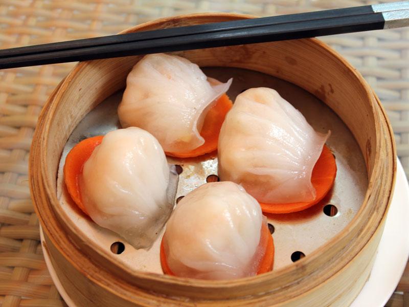 Steamed shrimp dumplings at Xin Dau Ji, photo by UnTour Shanghai